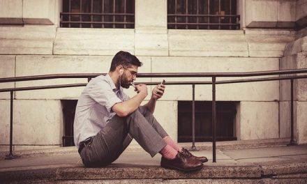Le «vu» payant sur Tinder : une frustration supplémentaire ?